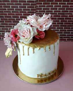 Golden flower cake for your special occasion gifts in Cyprus from Cyprus flowers
