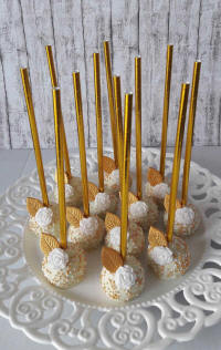 Gold flower sweetie sticks - a birthday party treat from Cyprus-flowers.com